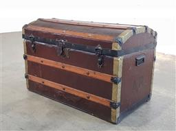 Sale 9174 - Lot 1055 - Dome top timber bound travellers trunk (h:53 x d:85 x d:47cm)