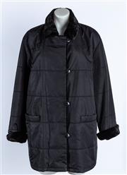 Sale 9010H - Lot 93 - A Basler reversible 3/4 length snow coat with a faux fur collar, cuffs, front trim and three pockets, in black quilted fabric, size 42