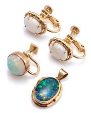 Sale 9095 - Lot 308 - A GROUP OF OPAL JEWELLERY; a 9ct gold opal triplet pendant, 23 x 13mm, wt. 1.80g, an 18ct gold single screw back earring set with a...