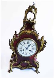 Sale 8770A - Lot 80 - A fine antique French Mantel Bracket Clock in red Shell and gilt bronze Ormolu mounts. With key and pendulum 49 x 26 cm