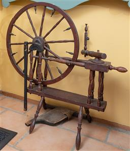 Sale 9120H - Lot 227 - An antique spinning wheel, Height 87cm