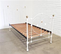 Sale 9134 - Lot 1490 - An Antique style single bed of recent manufacture. All complete