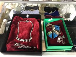Sale 9106 - Lot 2362 - Mens Bow Ties with 2 Dress Jewellery Necklaces, a Pin & a Sterling Silver Chain