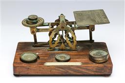 Sale 9098 - Lot 314 - Letter weighing scale with weights (21.5cm)