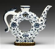 Sale 9086 - Lot 70 - A Blue And white Circular Form Chinese Teapot H: 14cm