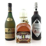 Sale 8611W - Lot 50 - 3x Old Bottles - VSOP Brandy, Butterscotch Schnapps & Liqueur Mead