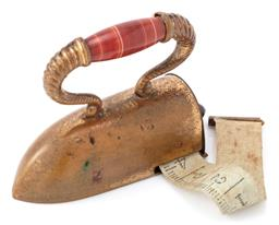 Sale 9140 - Lot 332 - AN ANTIQUE NOVELTY TAPE MEASURE; in brass with banded agate handle and retractable tape with metric and imperial scales, size 53 x 4...