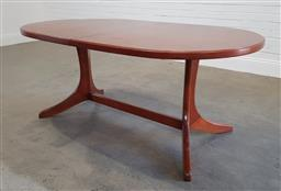 Sale 9183 - Lot 1009 - Butterfly leaf extension dining table (h: 72 l: 175 w: 104cm)