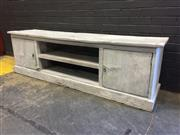 Sale 9006 - Lot 1034 - Rustic Timber Entertainment Unit (h:59 x w:201 x d:45cm)
