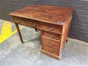 Sale 8993 - Lot 1024 - Late Victorian Walnut Single Pedestal Desk, on turned legs & fitted with five drawers (h:75 x w:98 x d:52cm)