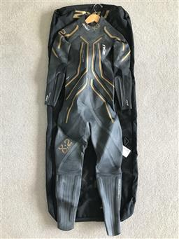 Sale 9176 - Lot 2213 - A Project X 2XU wetsuit together with a travel suit bag, style code MW1824C/WW1825C