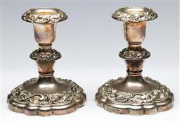 Sale 9164 - Lot 247 - A pair of silver plated candle sticks (H:11cm)