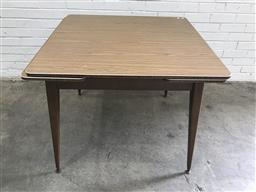 Sale 9102 - Lot 1013 - Vintage laminate top extension dining table (75 x w:92 x d:90)