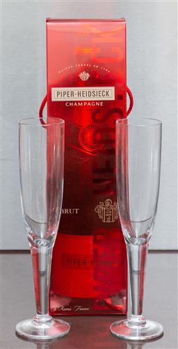 Sale 9165H - Lot 195 - A bottle of Piper Heidsieck 750ml in gift bag with two champagne glasses