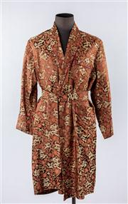 Sale 8770F - Lot 93 - A handmade Chinese silk dressing gown, approx size L