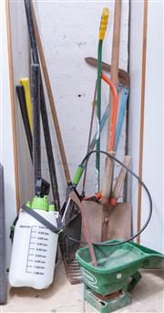 Sale 8550H - Lot 253 - A group of garden tools