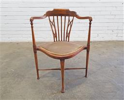 Sale 9142 - Lot 1027 - Edwardian Mahogany Corner Chair, with turned legs (h80 x d63cm)