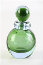 Sale 8887A - Lot 643 - An Artglass Green Sommerso Perfume Bottle with Stopper (total H12cm)