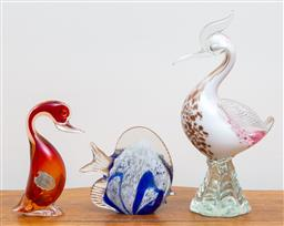 Sale 9103M - Lot 722 - Two Murano art glass birds (damage) and a fish. Tallest 25cm