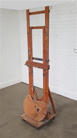 Sale 9255 - Lot 1332 - Timber artists easel (h:226cm)