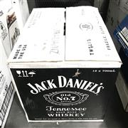 Sale 8801W - Lot 92 - 12x Jack Daniels Old No.7 Tennessee Whiskey, 700ml
