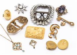 Sale 9180E - Lot 146 - A quantity of vintage constume jewellery including moonstone brooch