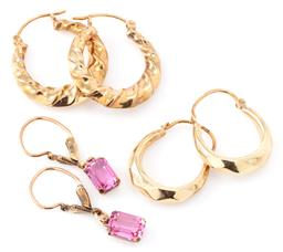 Sale 9140 - Lot 310 - THREE PAIRS OF 8CT GOLD HOOP AND DROP EARRINGS; 2 pairs of 4mm wide hollow hoops with lever back fittings, and a pair of pink paste...