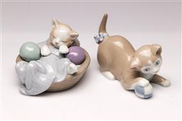 Sale 9110 - Lot 382 - Two Porcelain Nao Figurines of Kittens (L:12cm)