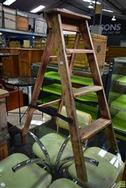 Sale 8566 - Lot 1550 - Shabby Chic A-Frame Ladder