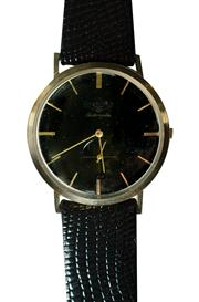 Sale 8828A - Lot 2 - Vintage mens Longines automatic wristwatch with 19A movement, black dial 32 mm running fine