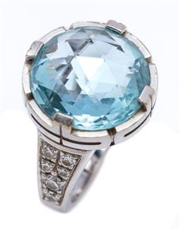 Sale 9194 - Lot 398 - AN 18CT WHITE GOLD BVLGARI TOPAZ AND DIAMOND PARENTESI RING; featuring a full rose cut blue topaz of approx. 11.50ct to shoulders se...