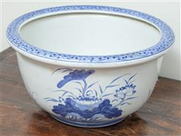 Sale 9120H - Lot 350 - A large oriental blue and white fishbowl with lotus design. Diameter 41cm.