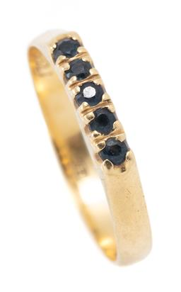 Sale 9182 - Lot 341 - AN 18CT GOLD SAPPHIRE RING; set across the top with 5 round cut blue sapphires, width 3mm, size M, with Russian hallmarks, wt. 1.92g.