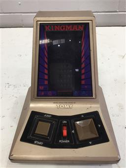 Sale 9151 - Lot 1062 - Vintage Kingman handheld micro computer game by Tomy (15cm)
