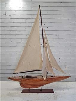 Sale 9179 - Lot 1003 - Timber Pond Yacht, on stand (h:65cm)