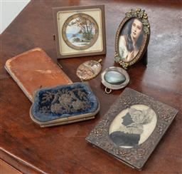 Sale 9120H - Lot 355 - A small collection of wares including an 8 day travel clock by Ultra, a framed print of a girl, another frame with chrysanthemum emb...