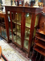 Sale 8693 - Lot 1023 - Edwardian Mahogany Breakfront Display Cabinet, with astragal door and fabric lined shelves, on square tapering legs (key in office)