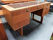 Sale 8607 - Lot 1018 - Vintage Kneehole Desk with Four Drawers & Single Door - (H: 74 W: 130 D: 61cm)