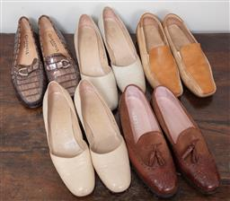 Sale 9120H - Lot 373 - Five pairs of ladies leather shoes in brown tones including Bruno Magli and Toretti, mainly size 38.