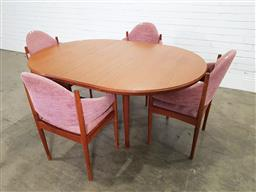 Sale 9188 - Lot 1517 - Chiswell 5 piece dining suite (h:73 x d:120cm)
