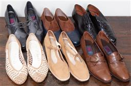 Sale 9120H - Lot 375 - Six pairs of ladies shoes in browns and blacks.
