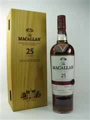 Sale 8329 - Lot 515 - 1x The Macallan Distillers 25YO Sherry Oak Cask Single Highland Malt Scotch Whisky - 43% ABV, 700ml in box