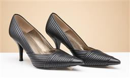 Sale 9260H - Lot 377 - A pair of Hugo Boss black ribbed Heels, size 38.