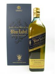 Sale 8290 - Lot 490 - 1x Johnnie Walker Blue Label Blended Scotch Whisky - 700ml in box w slip-case
