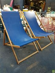 Sale 8566 - Lot 1436 - Pair of Outdoor Fold Up Chairs