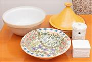 Sale 8891H - Lot 72 - Five items of kitchenware, to include a tagine, a Mason Cash mixing bowl, a floral example, etc.