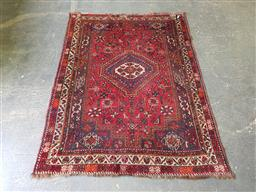Sale 9255 - Lot 1260 - Red tone Persian rug (165 x 123cm)