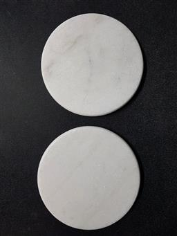 Sale 9254 - Lot 2310 - Pair of round white marble cheeseboards (dia:30cm)