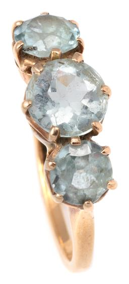 Sale 9124 - Lot 360 - AN 18CT GOLD VINTAGE TRIPLE GEM STONE SET RING; bead claw set with a round cut aquamarine of approx. 0.90ct and two round cut blue g...