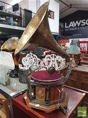 Sale 8455 - Lot 1083 - Gramophone with Horn